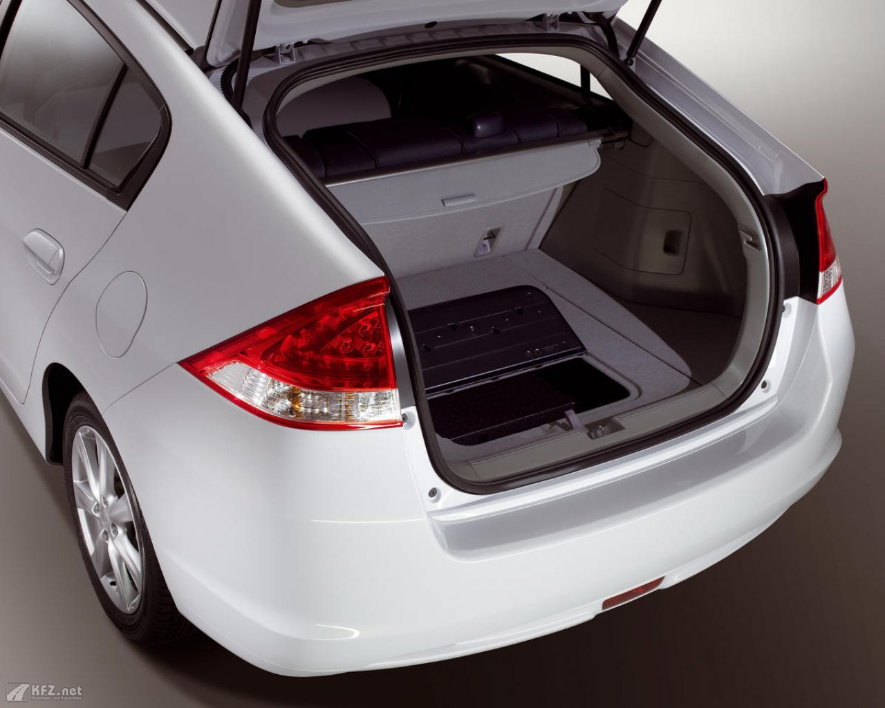 honda-insight-1280x1024-181
