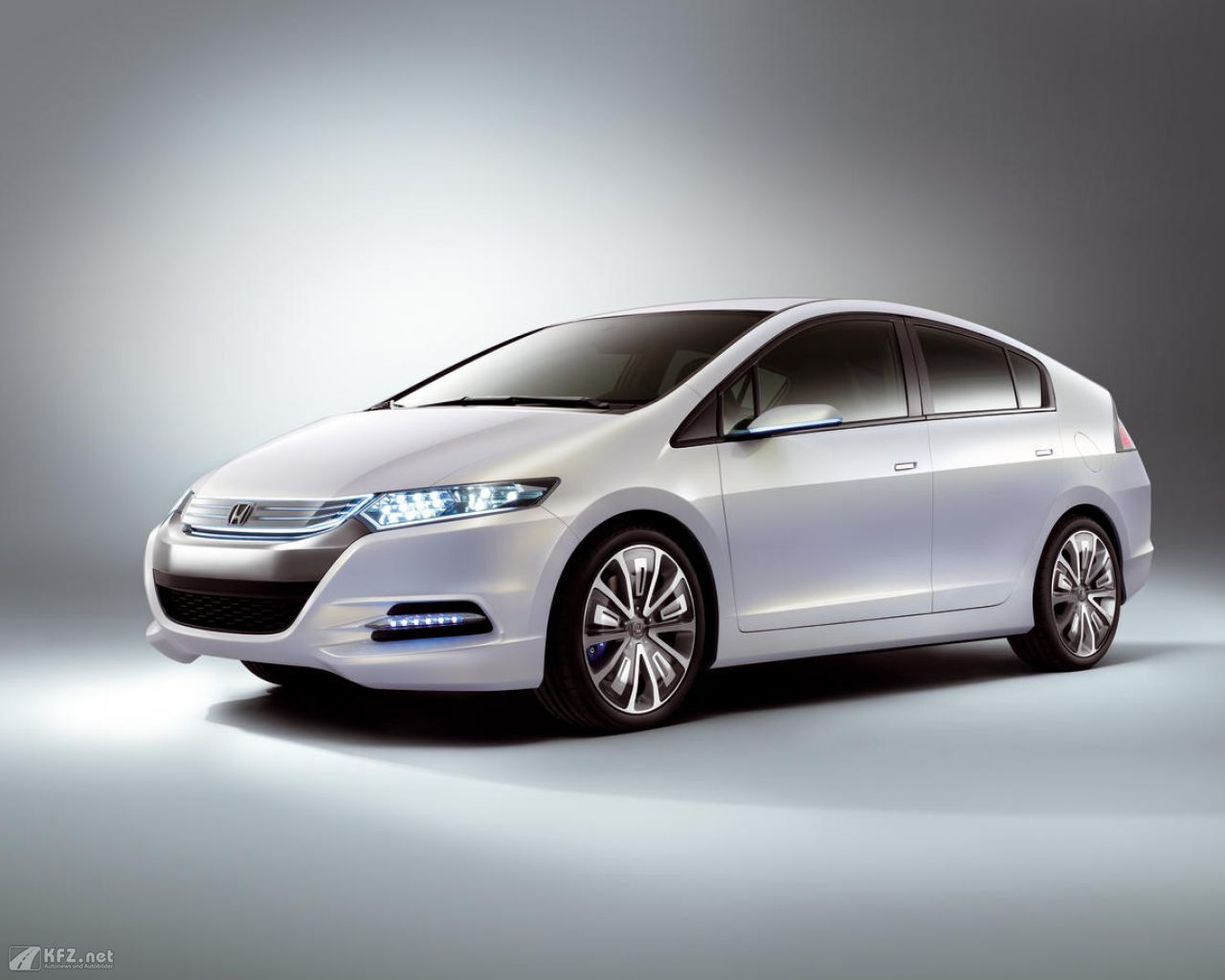 honda-insight-1280x1024-51