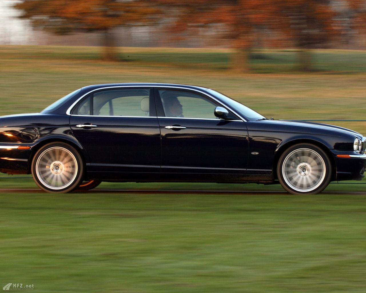 jaguar-daimler-1280x1024-101