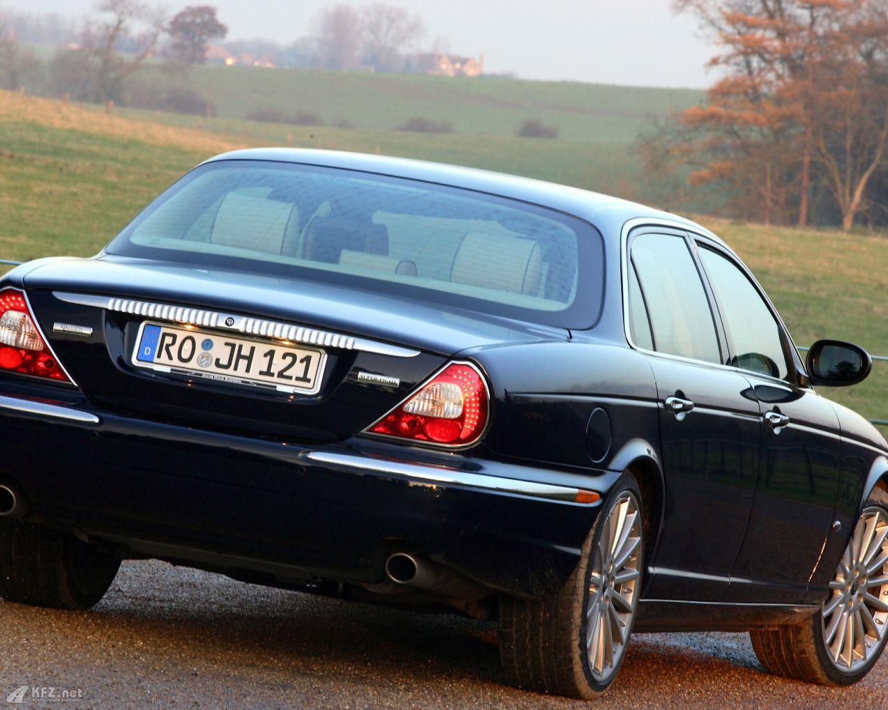 jaguar-daimler-1280x1024-151