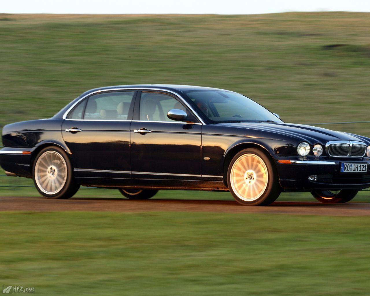 jaguar-daimler-1280x1024-161