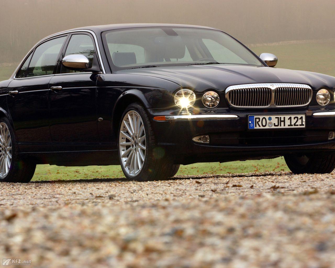 jaguar-daimler-1280x1024-81