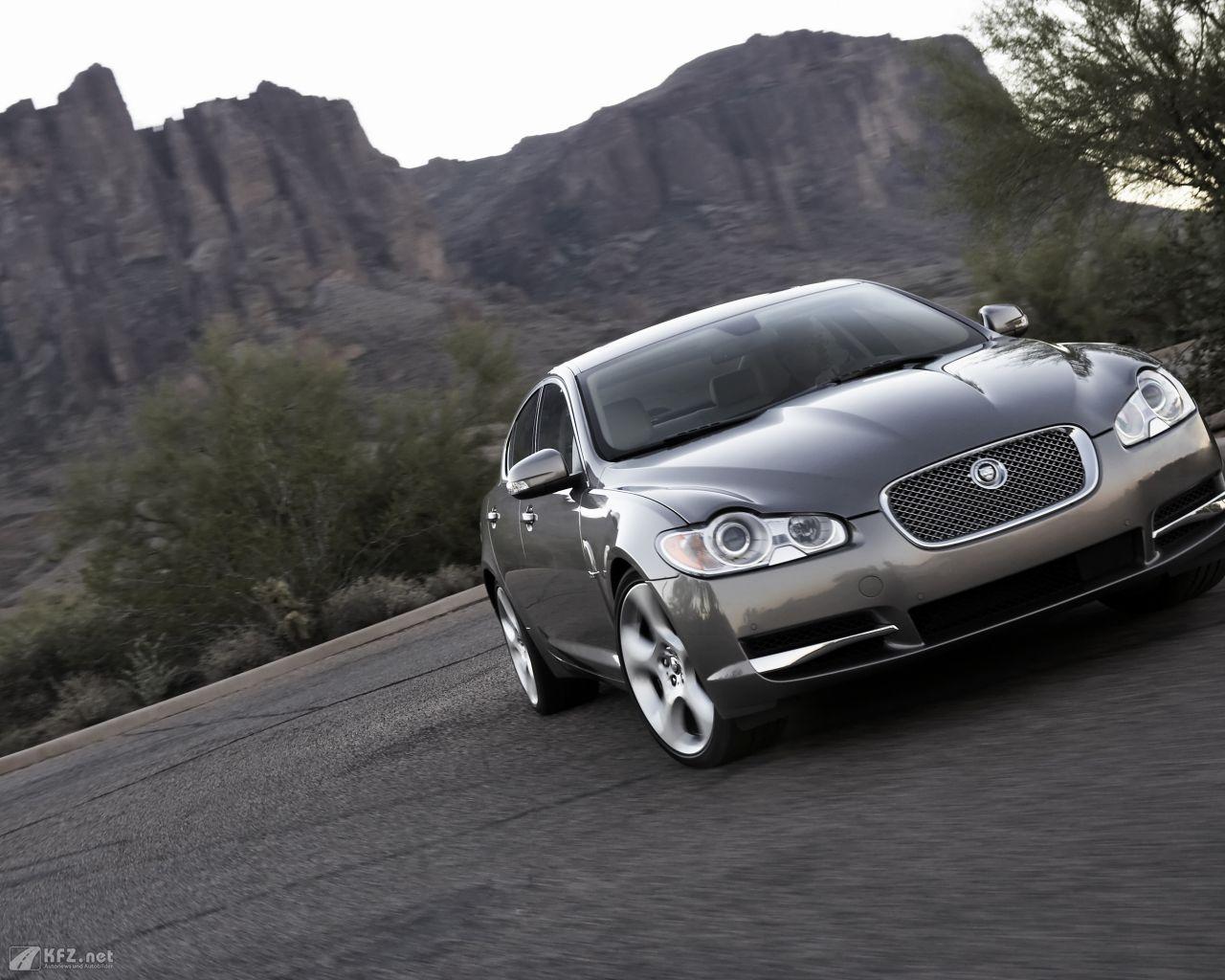 jaguar-xf-1280x1024-111