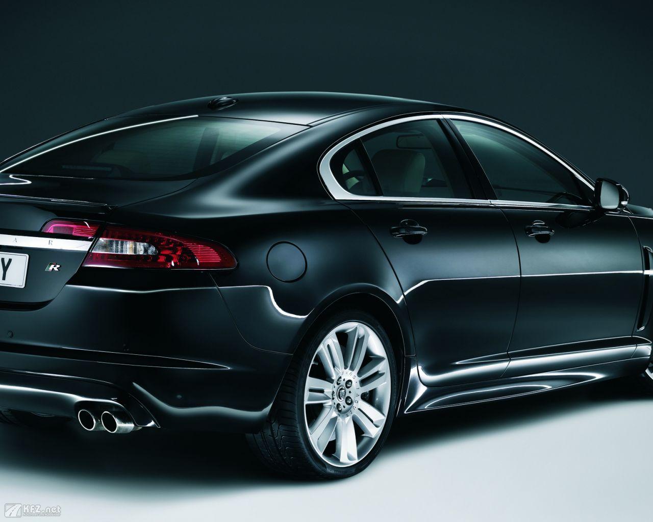 jaguar-xf-1280x1024-41