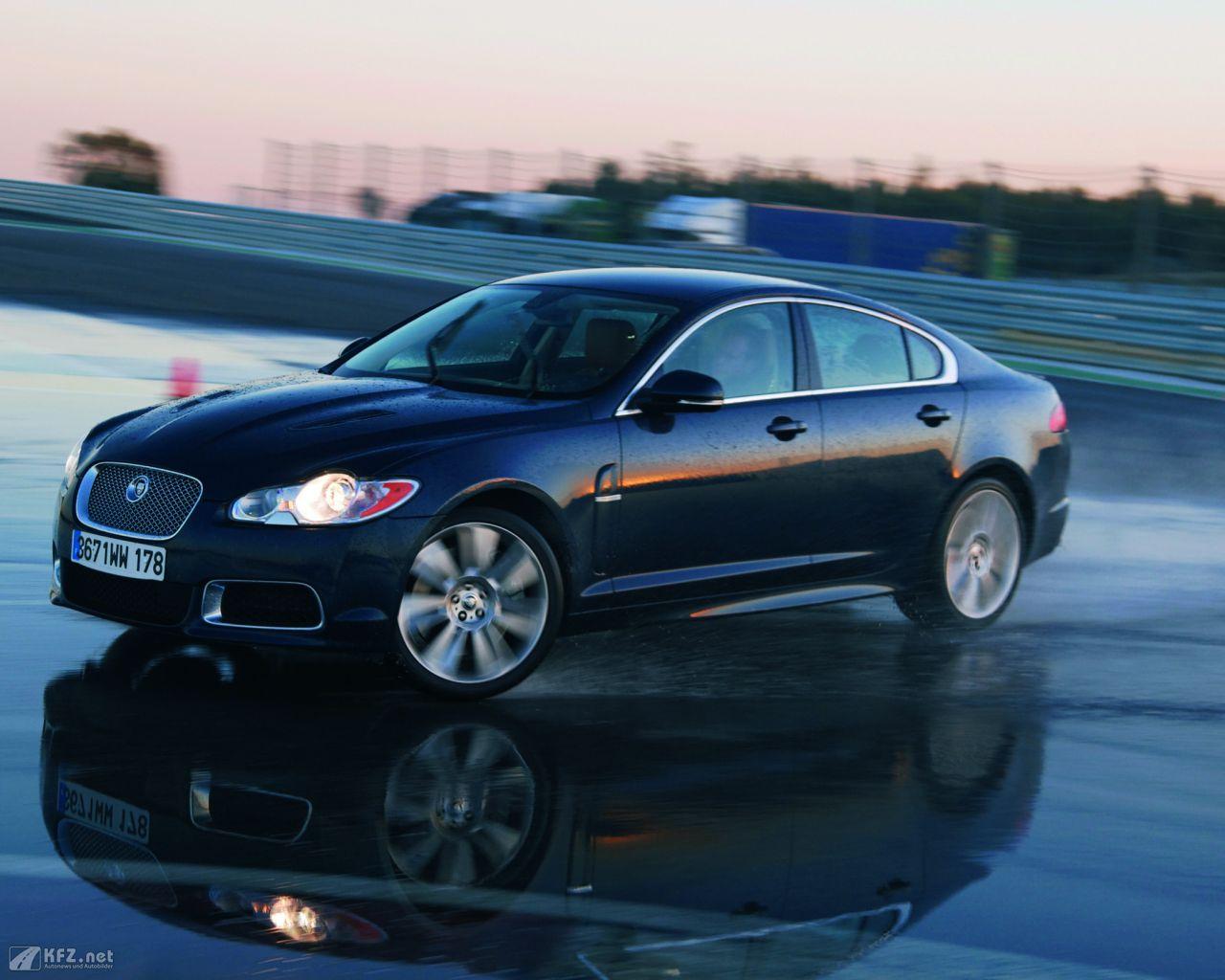 jaguar-xf-1280x1024-71