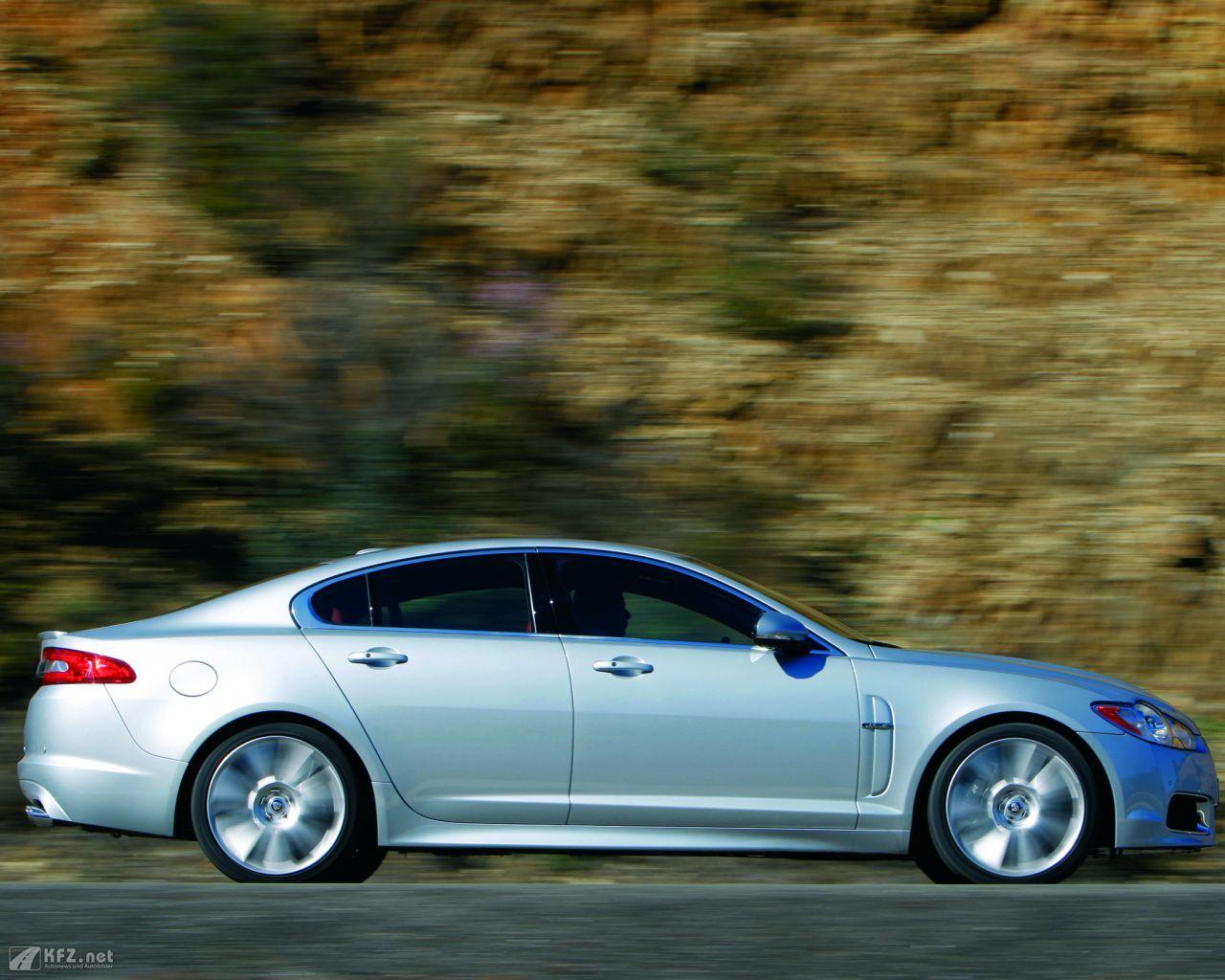 jaguar-xf-1280x1024-81