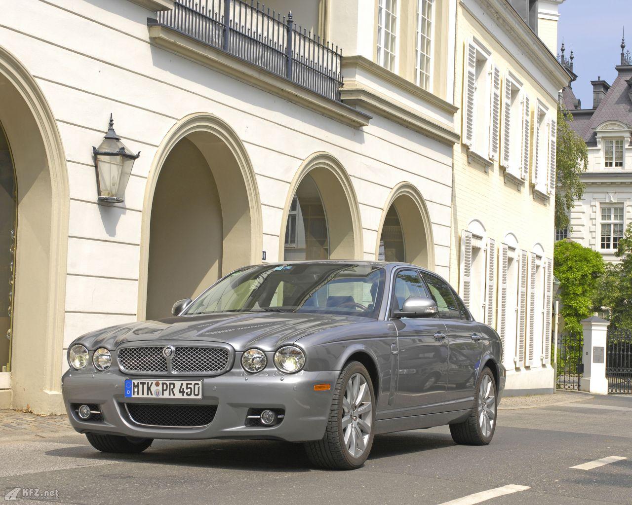 jaguar-xj-1280x1024-4