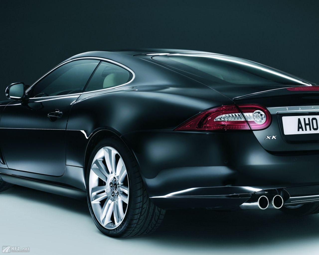 jaguar-xk8-1280x1024-11