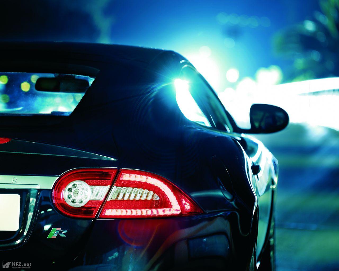 jaguar-xk8-1280x1024-12