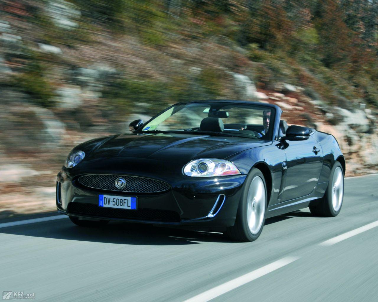 jaguar-xk8-1280x1024-14