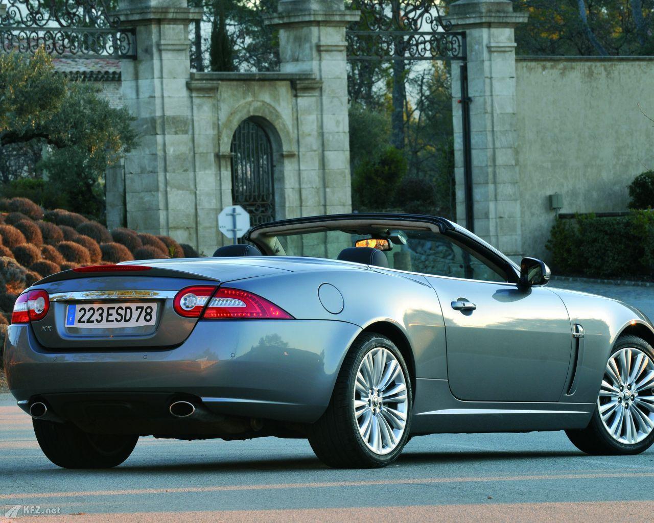 jaguar-xk8-1280x1024-16