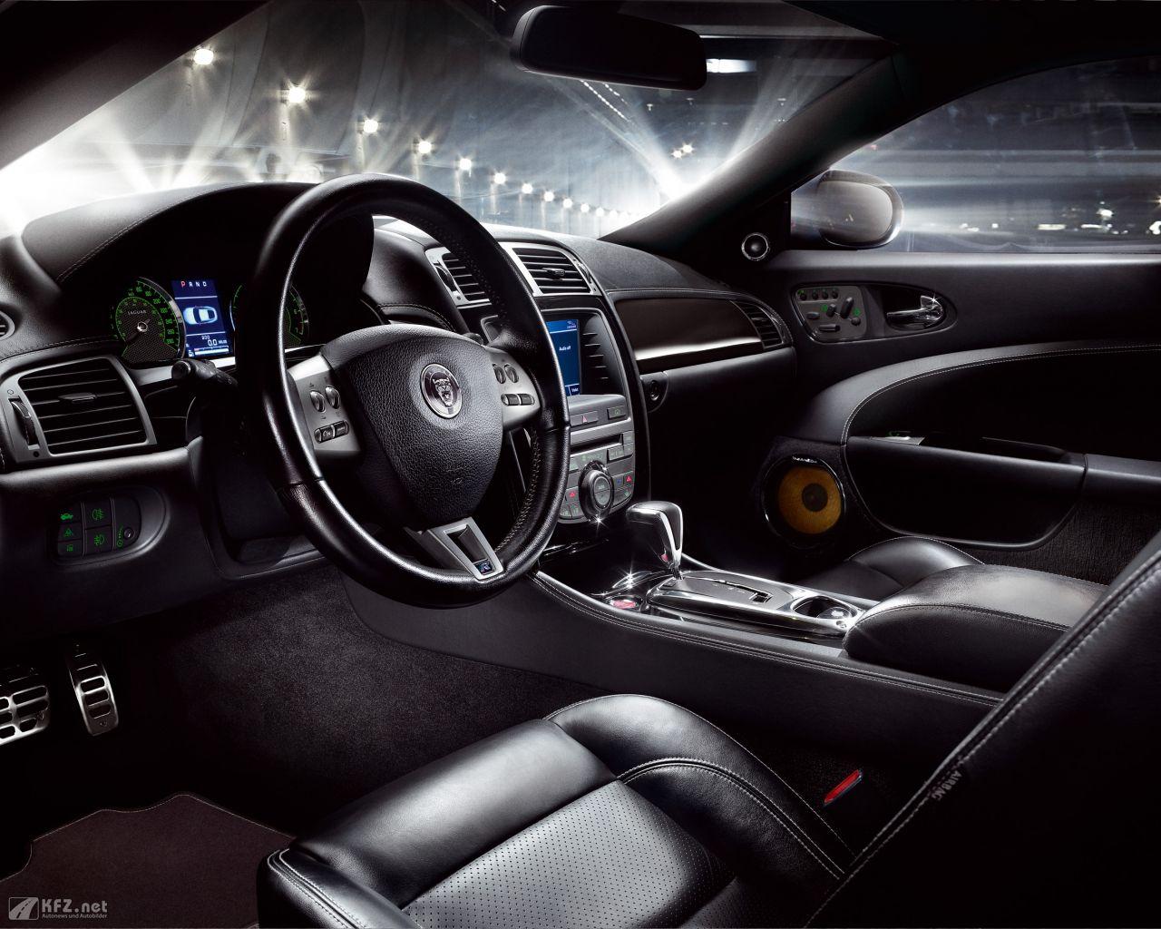 jaguar-xk8-1280x1024-6