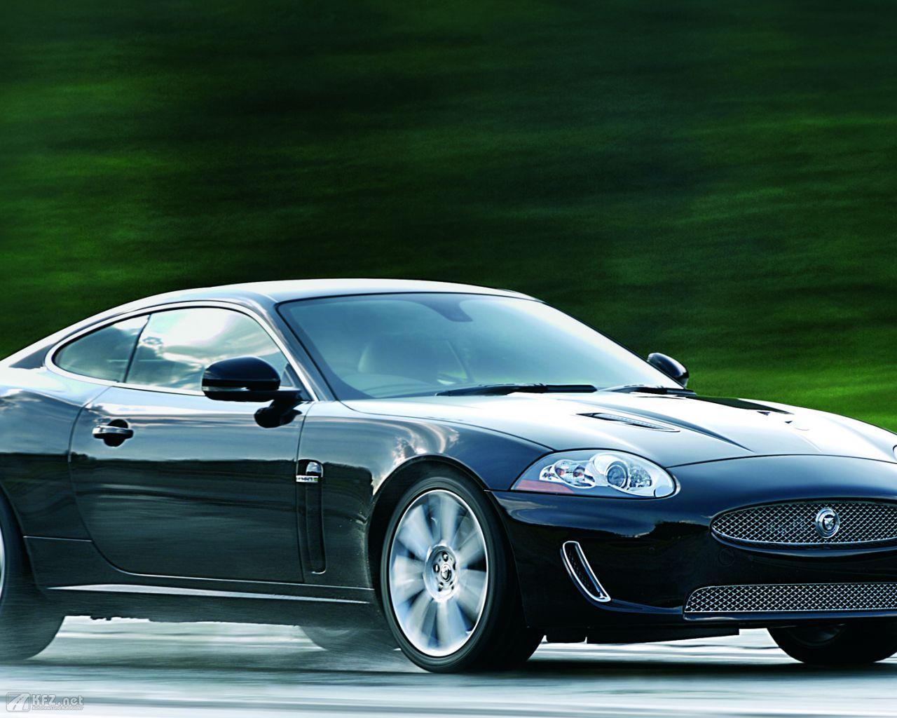 jaguar-xk8-1280x1024-8