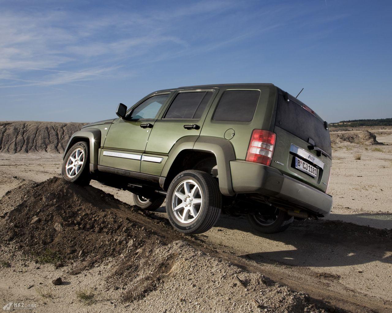 jeep-cherokee-1280x1024-11