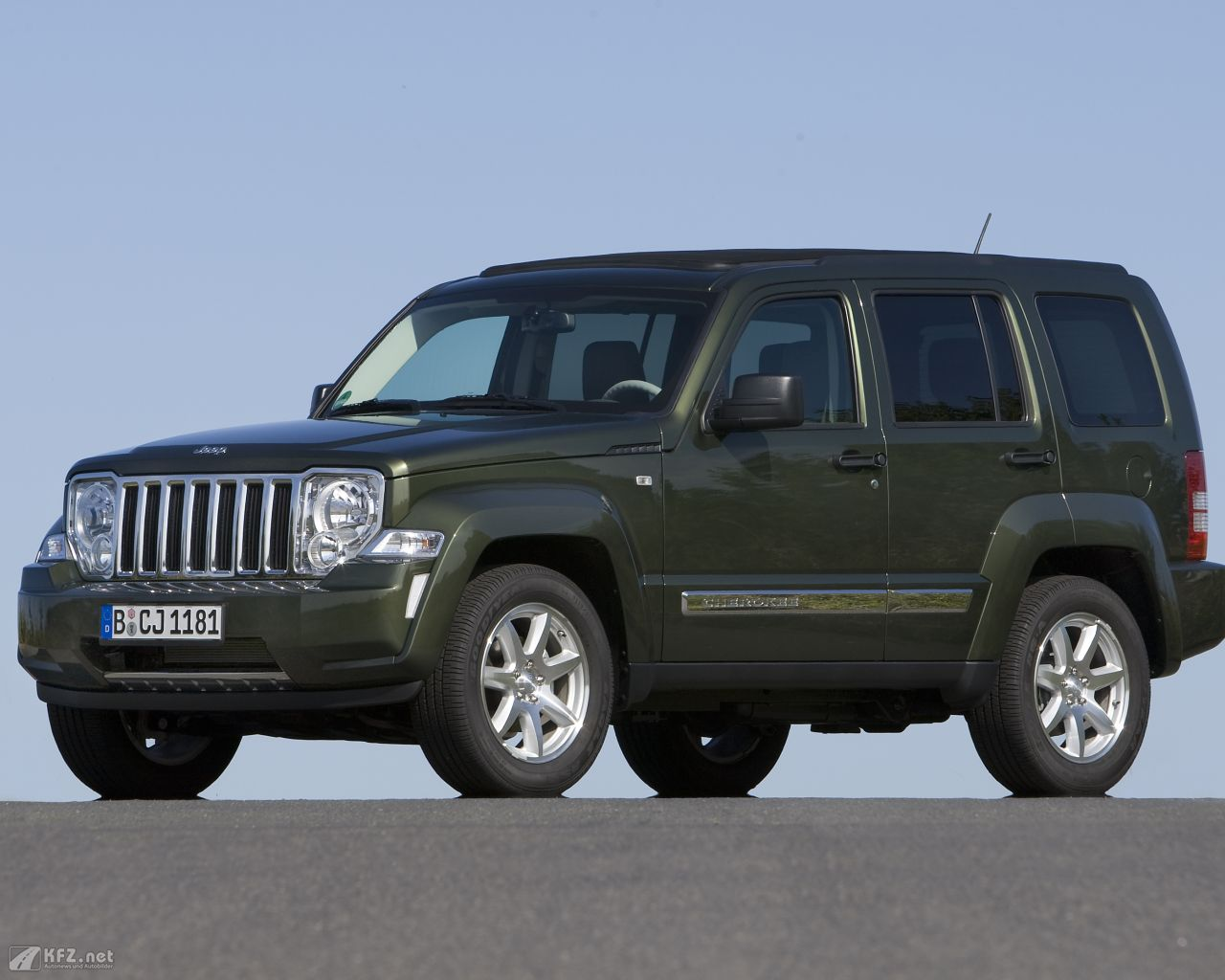 jeep-cherokee-1280x1024-8