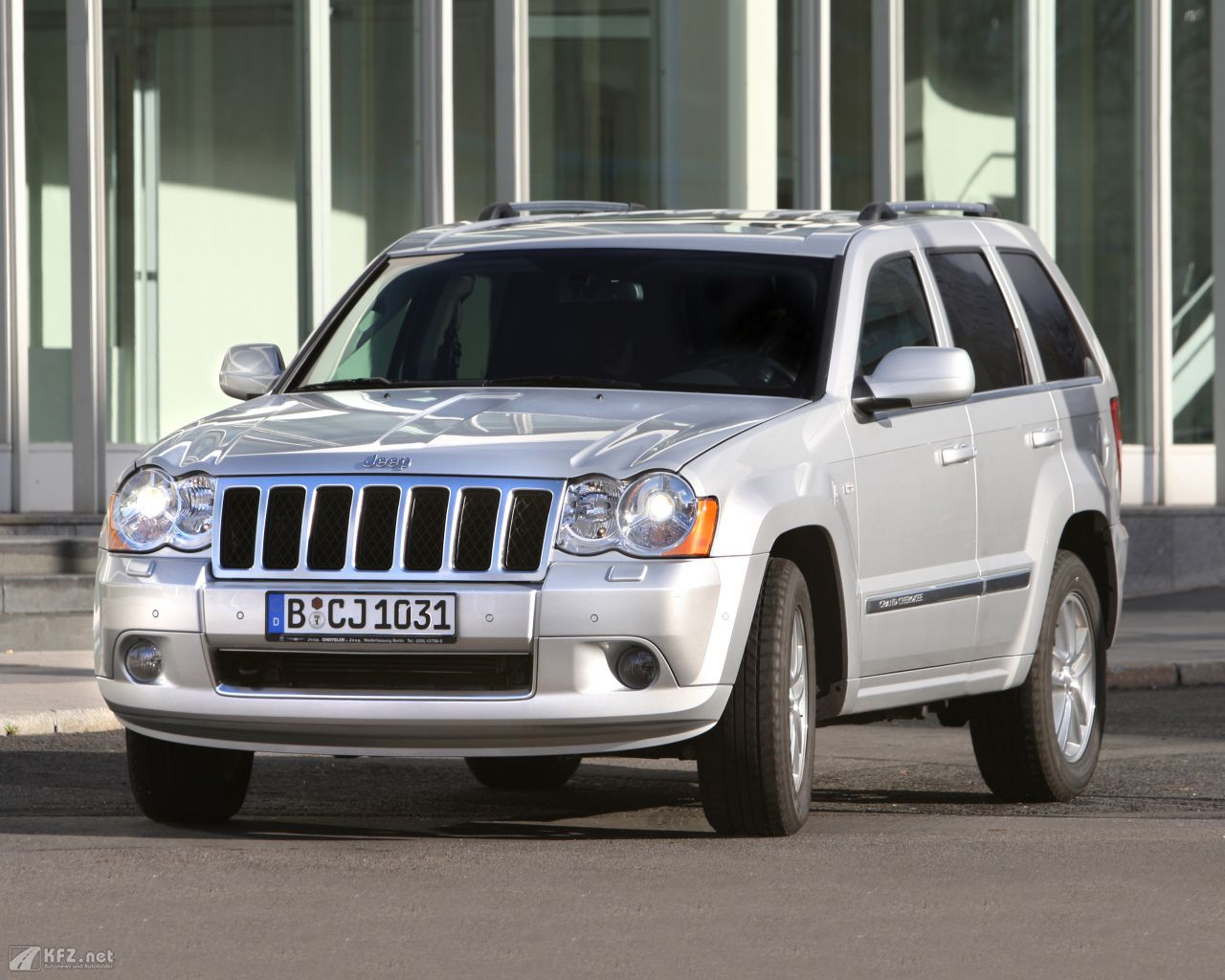 jeep-grand-cherokee-1280x1024-11
