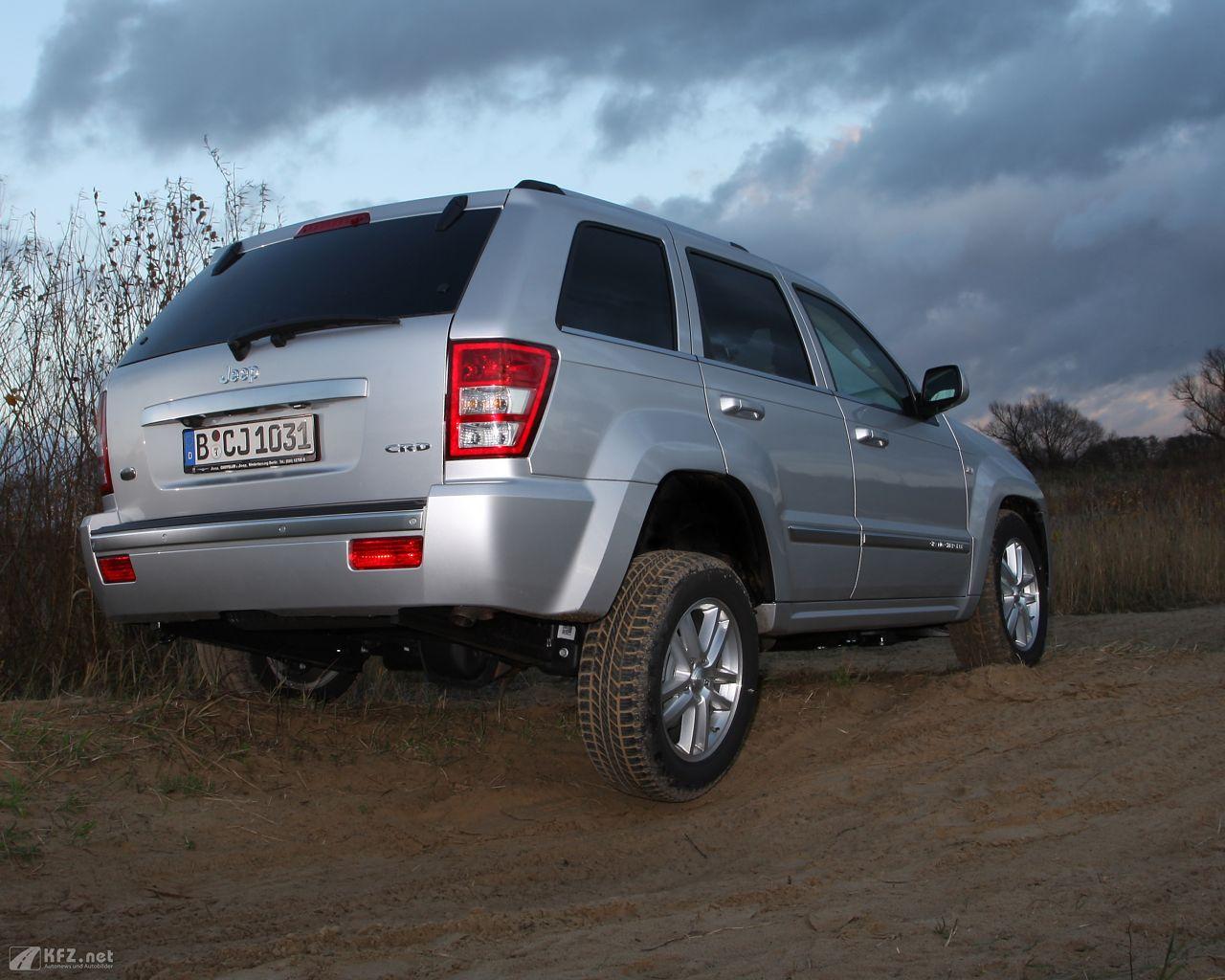 jeep-grand-cherokee-1280x1024-13