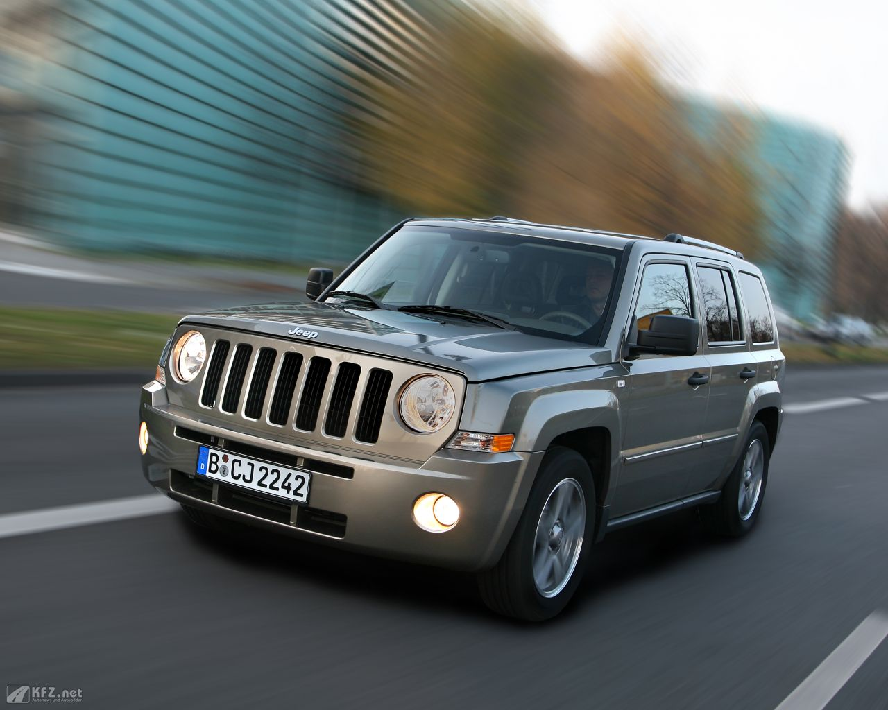 jeep-patriot-1280x1024-1