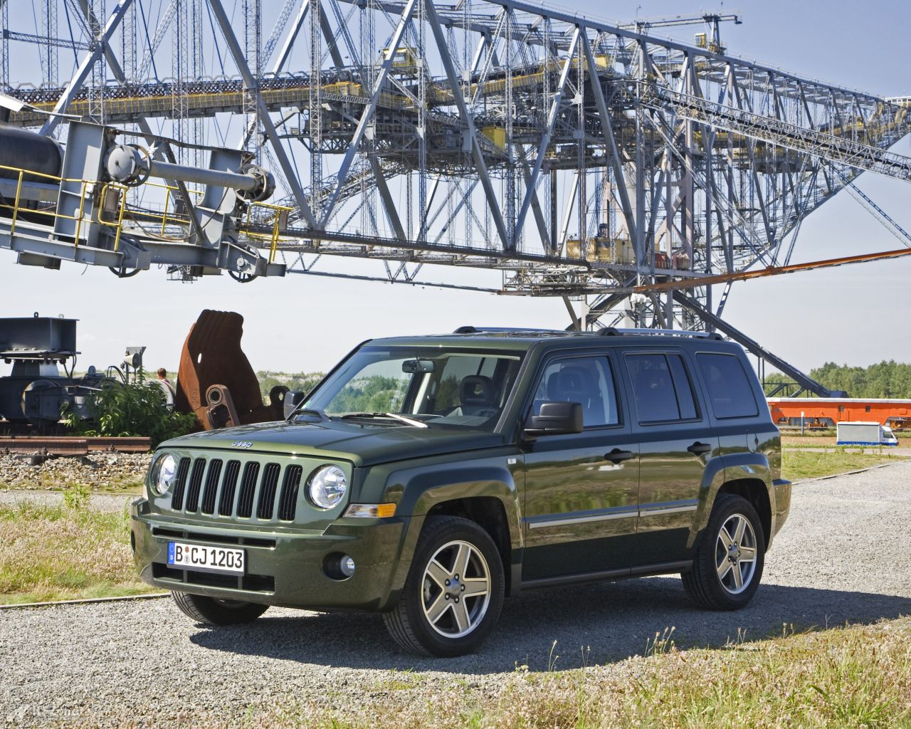 jeep-patriot-1280x1024-15