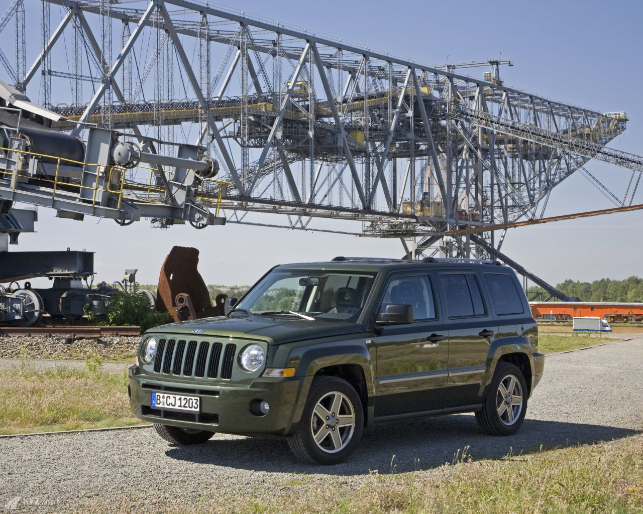 jeep-patriot-1280x1024-16