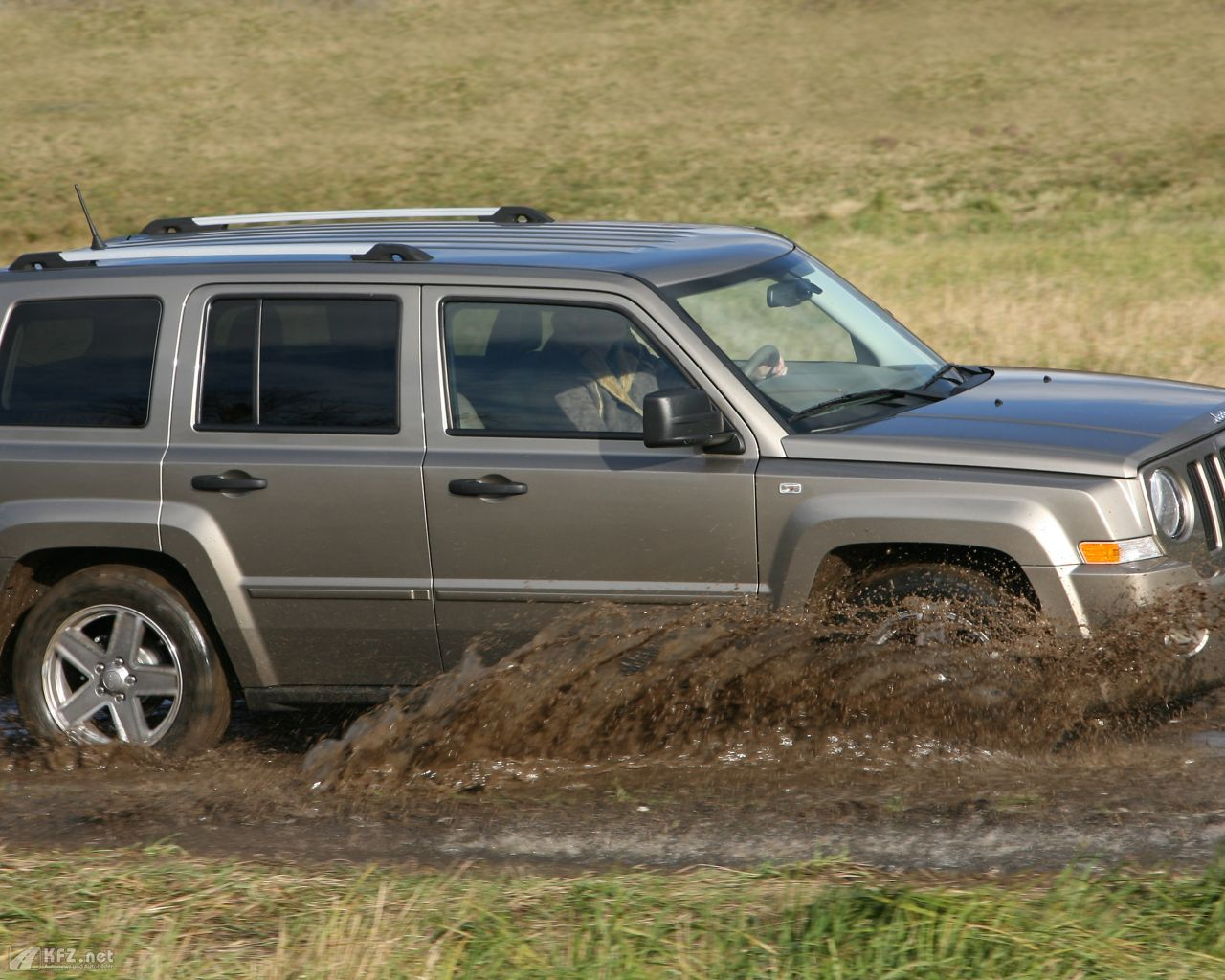 jeep-patriot-1280x1024-2