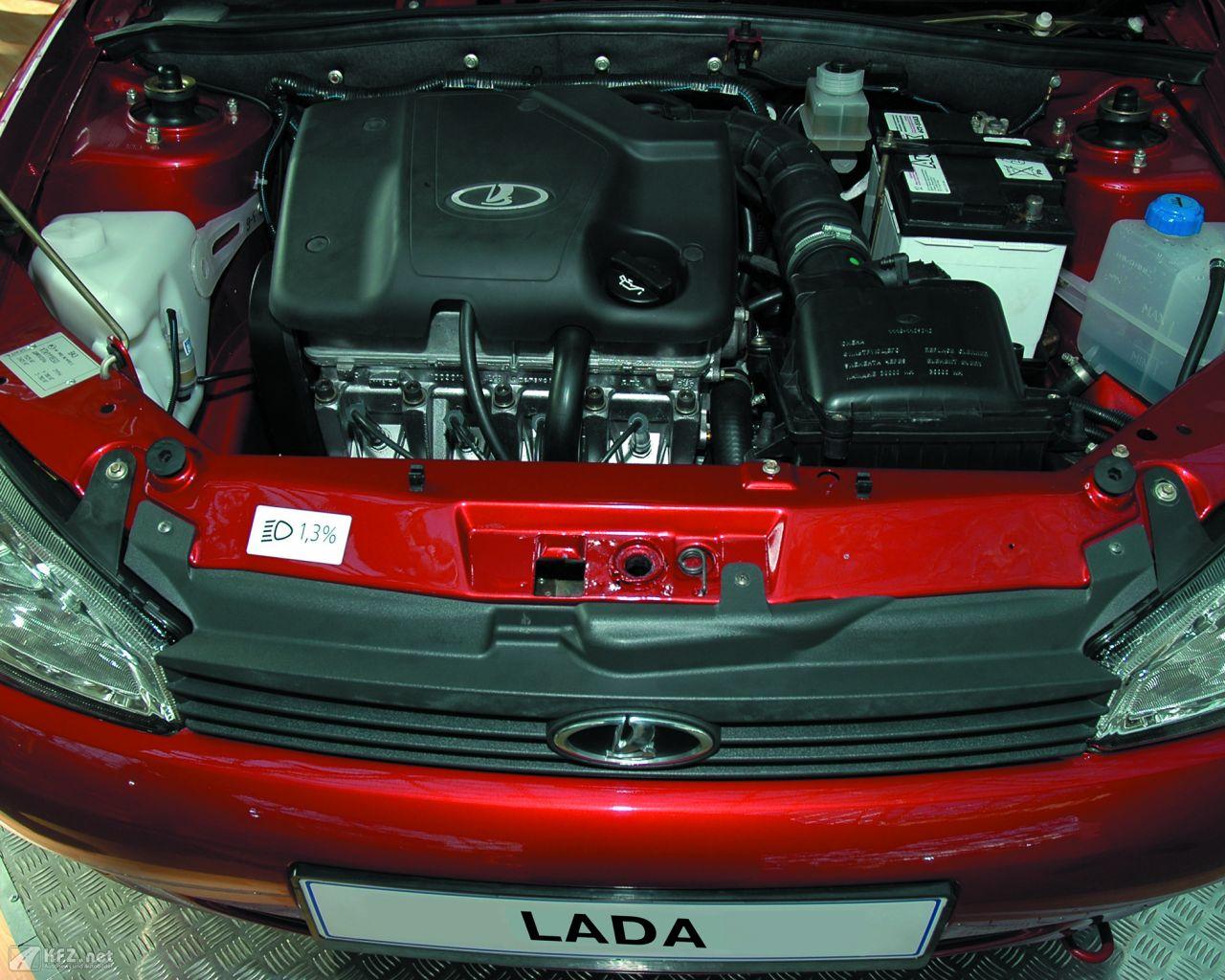 lada-kalina-1118-1280x1024-16