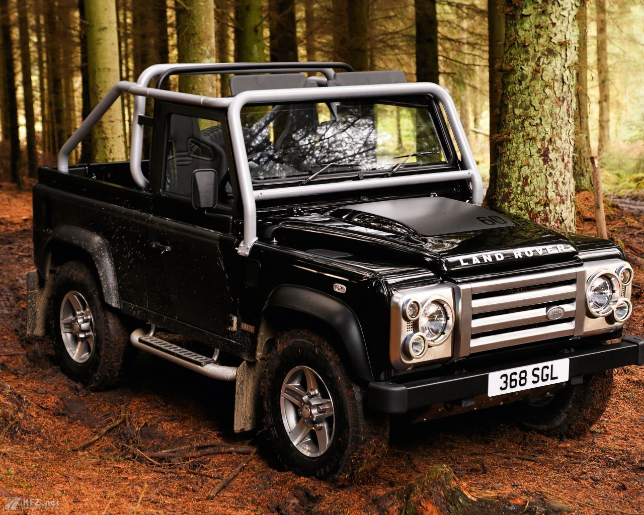 land-rover-defender-1280x1024-14