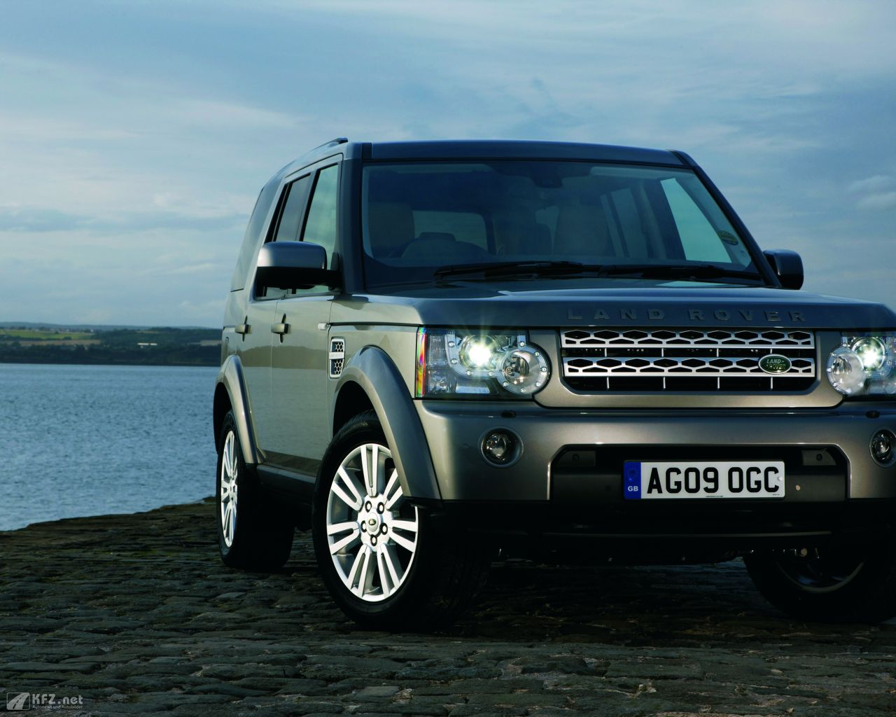 land-rover-discovery-1280x1024-1