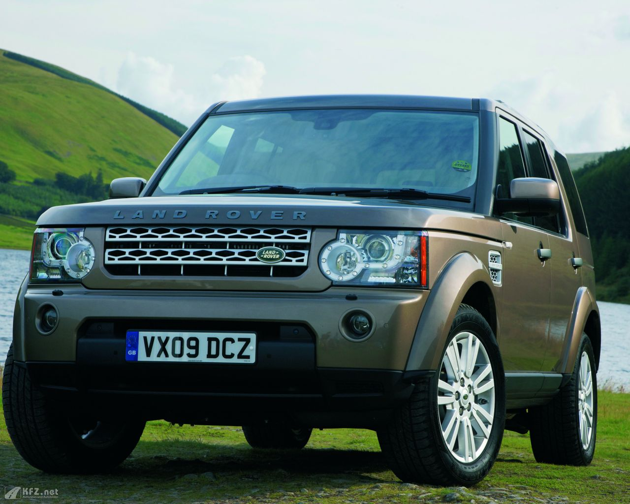 land-rover-discovery-1280x1024-11