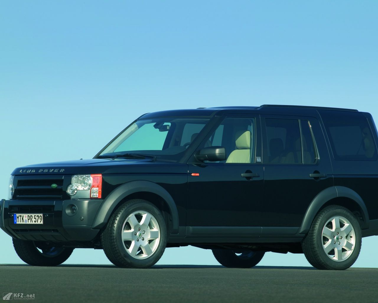 land-rover-discovery-1280x1024-18
