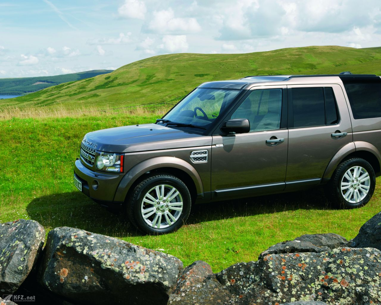land-rover-discovery-1280x1024-5