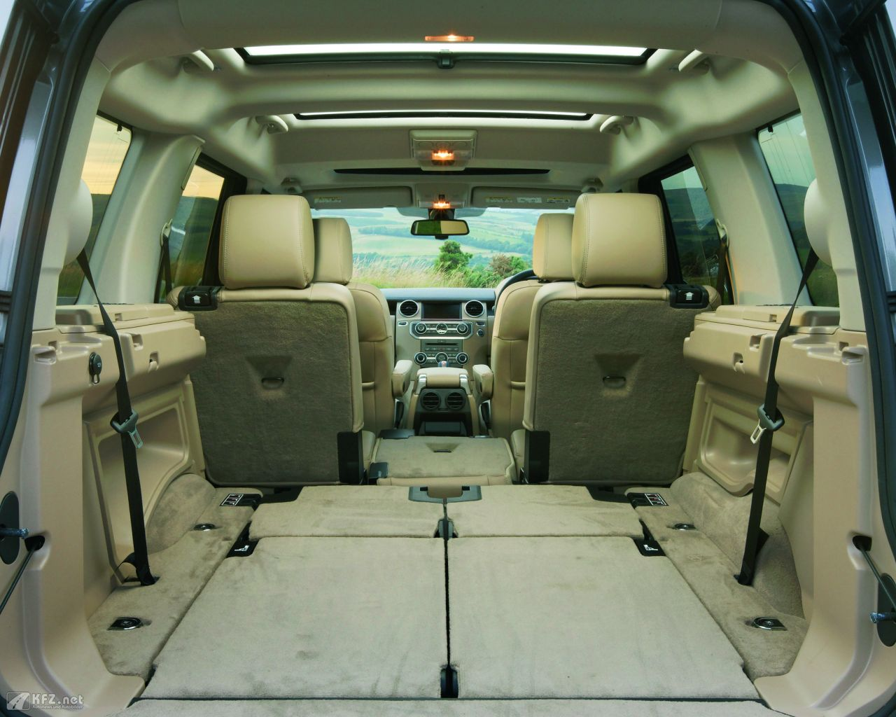 land-rover-discovery-1280x1024-6