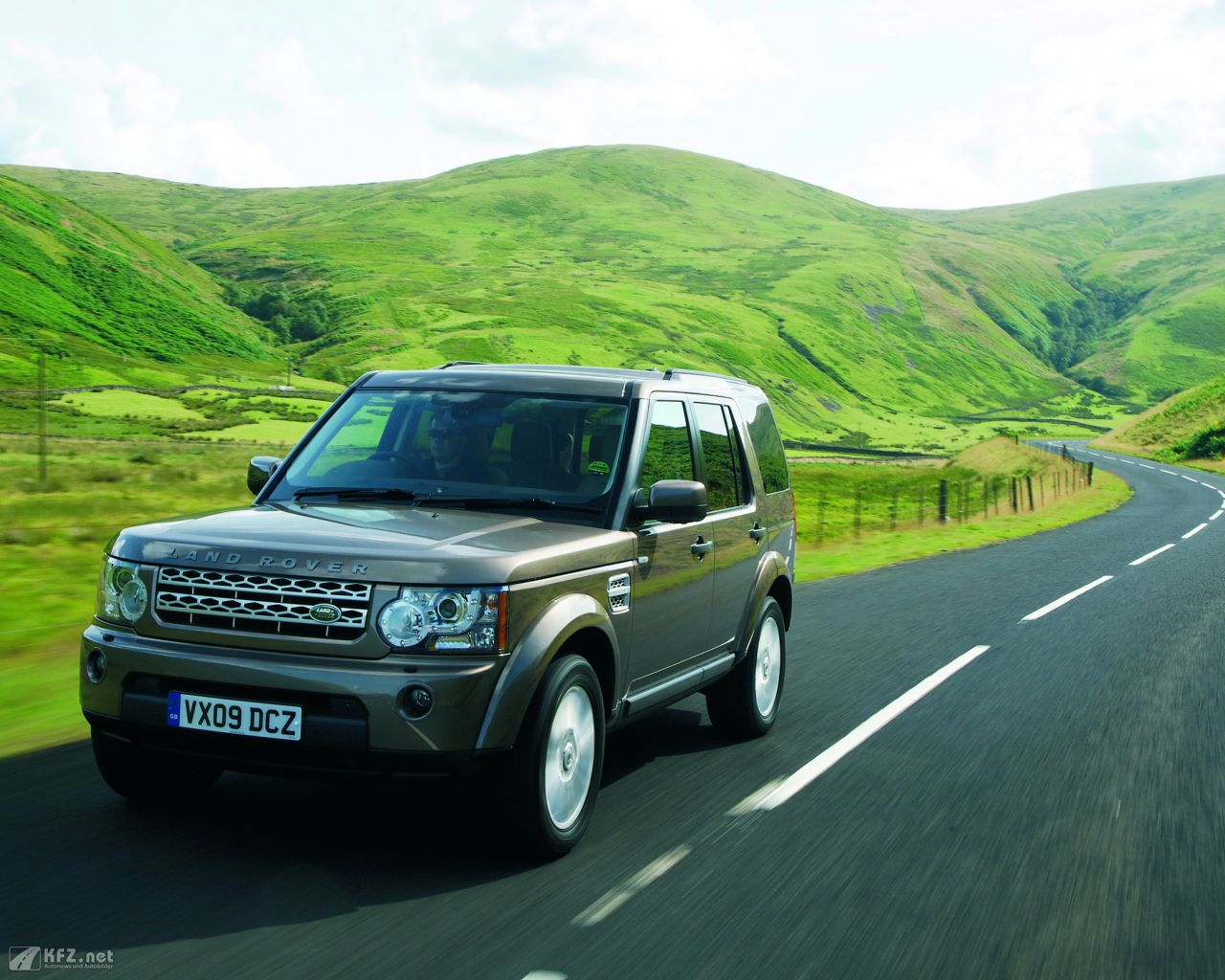land-rover-discovery-1280x1024-7
