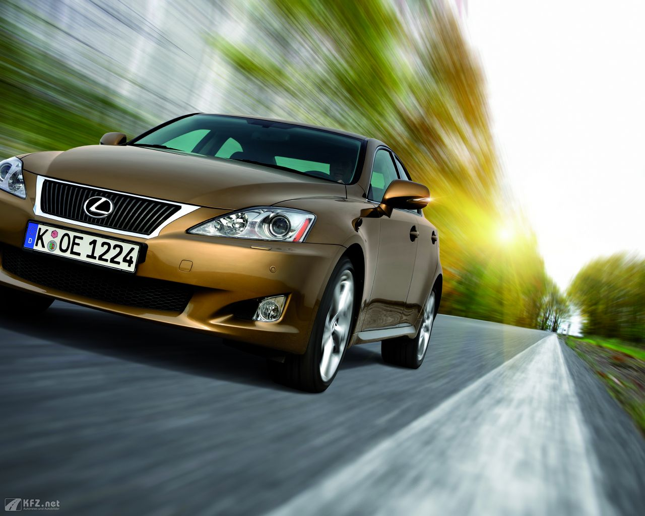 lexus-is-1280x1024-1
