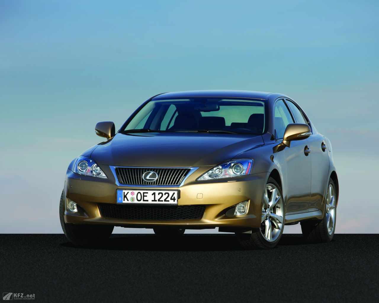 lexus-is-1280x1024-12