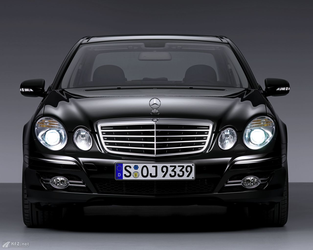 mercedes benz e klasse bilder limousine der extraklasse. Black Bedroom Furniture Sets. Home Design Ideas