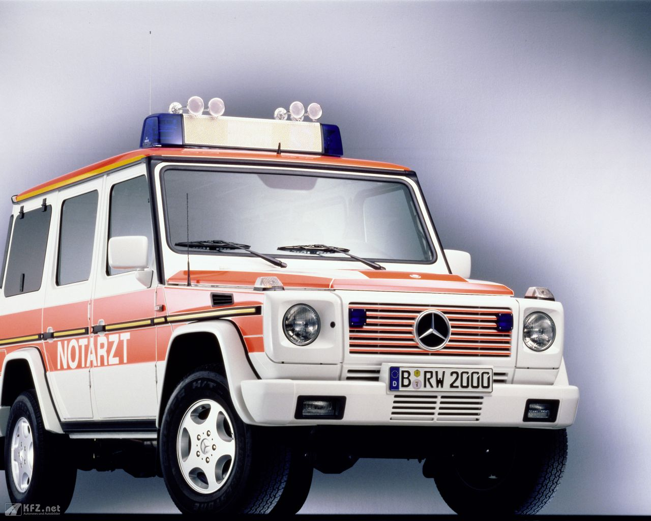 mercedes-g-klasse-1280x1024-19