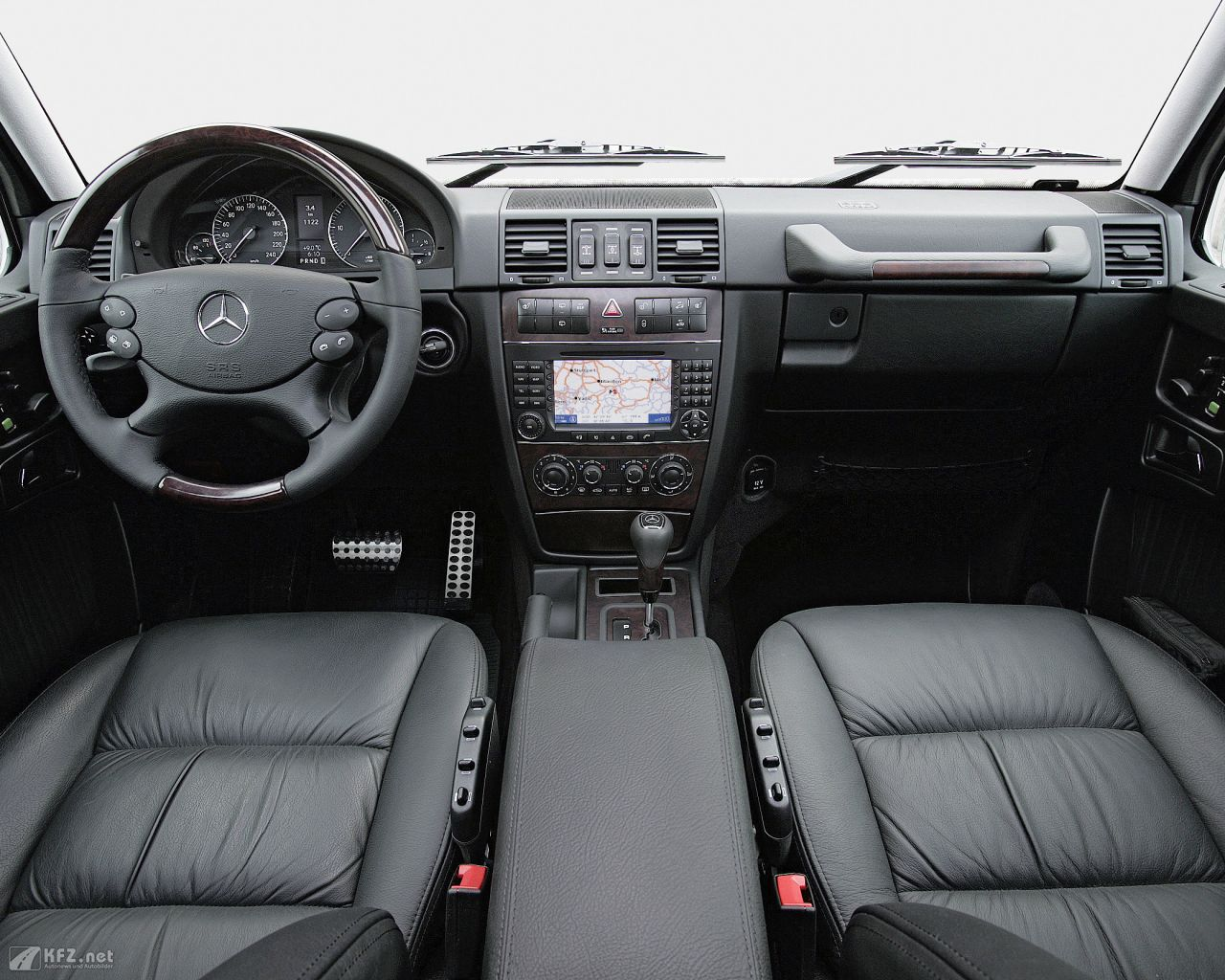 mercedes-g-klasse-1280x1024-4