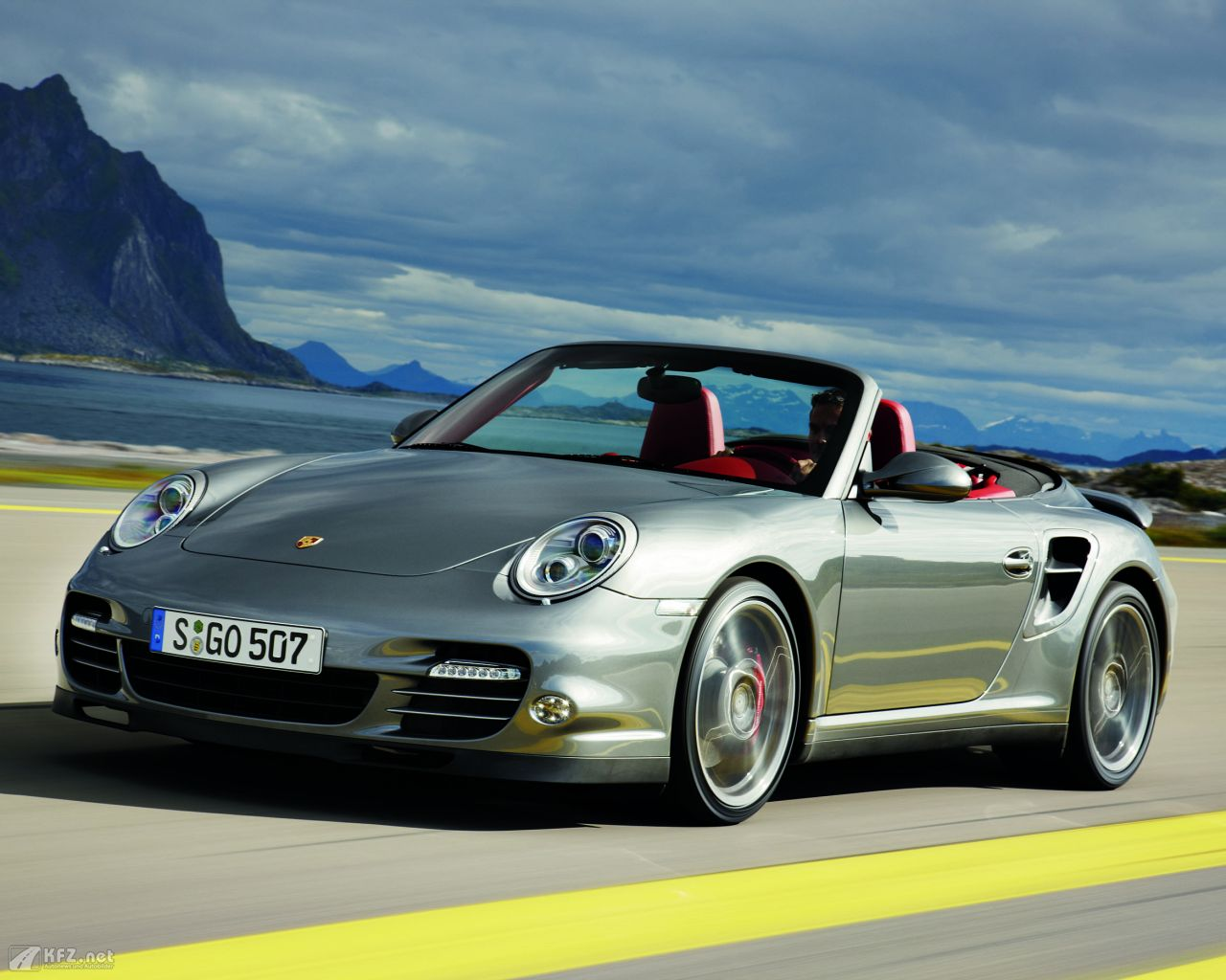 porsche-911-turbo-coupe-1280x1024-1