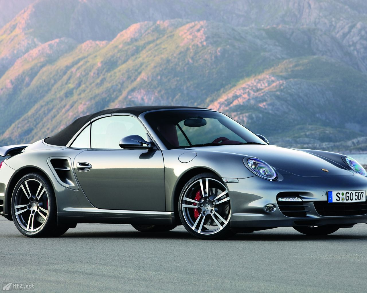 porsche-911-turbo-coupe-1280x1024-10