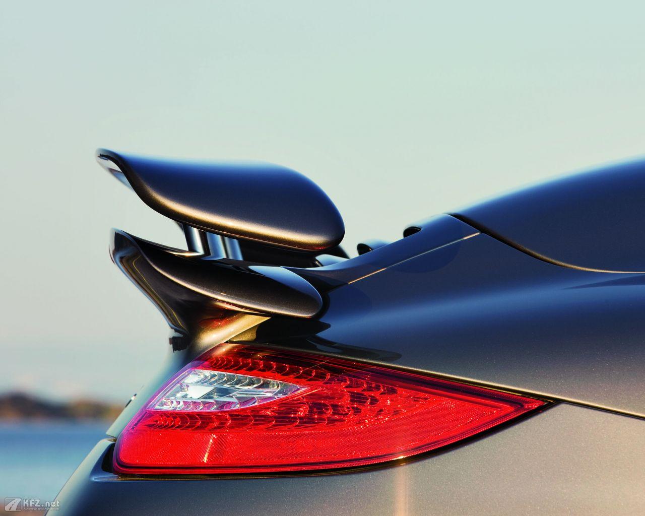 porsche-911-turbo-coupe-1280x1024-11