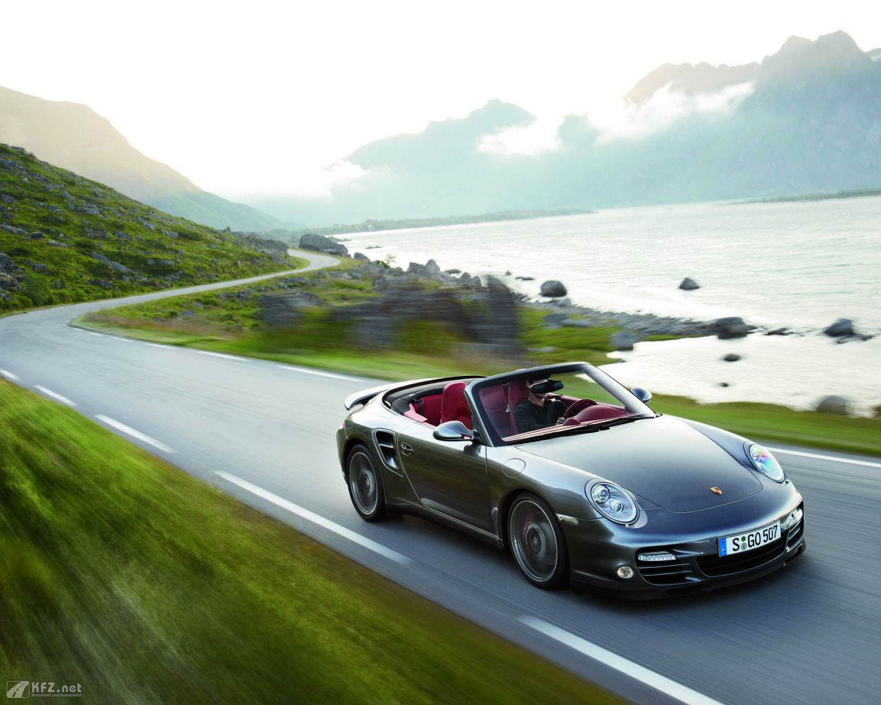 porsche-911-turbo-coupe-1280x1024-14