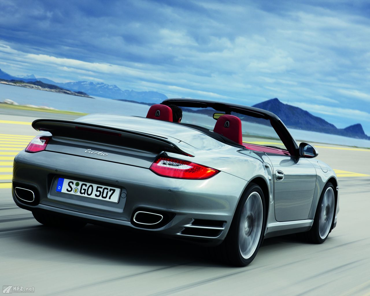 porsche-911-turbo-coupe-1280x1024-18