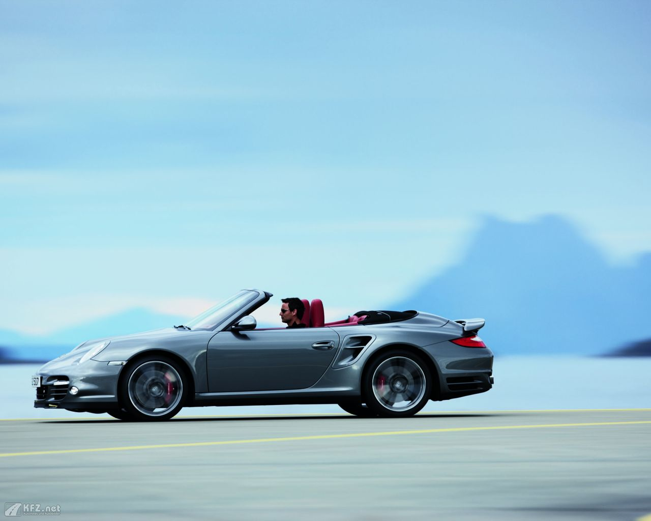 porsche-911-turbo-coupe-1280x1024-19