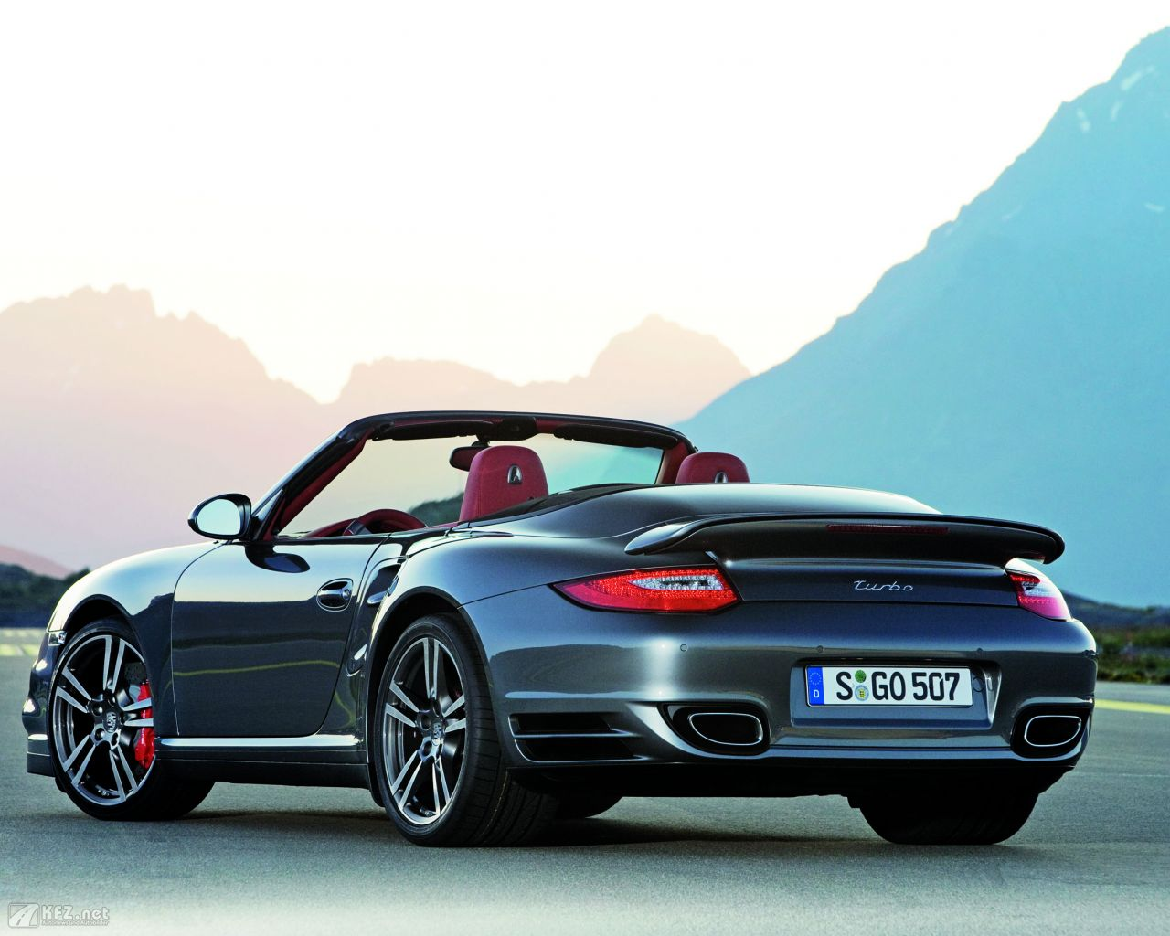 porsche-911-turbo-coupe-1280x1024-3
