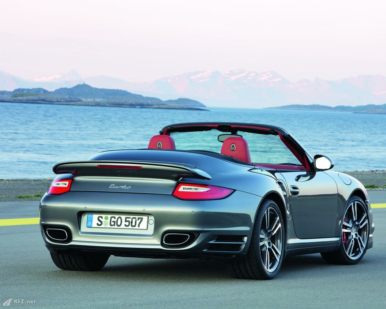 porsche-911-turbo-coupe-1280x1024-5