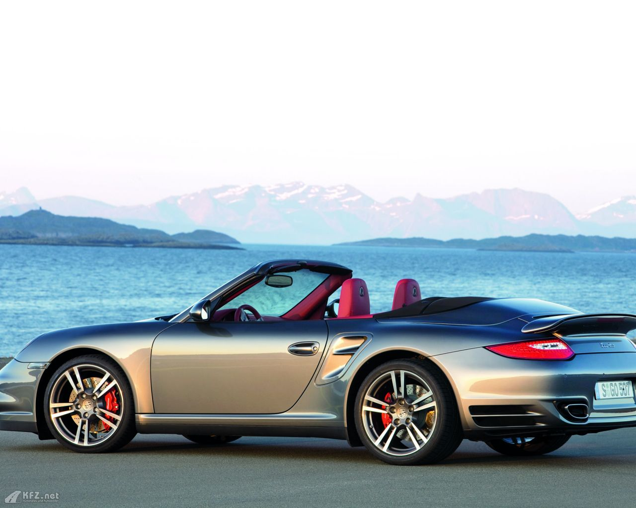 porsche-911-turbo-coupe-1280x1024-6