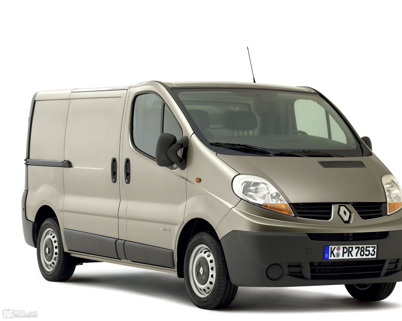 renault-trafic-1280x1024-13