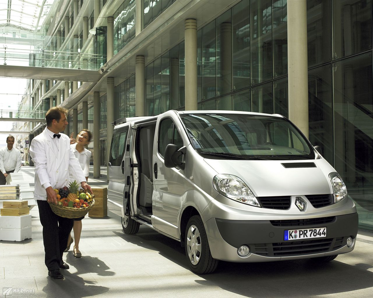 renault-trafic-1280x1024-15