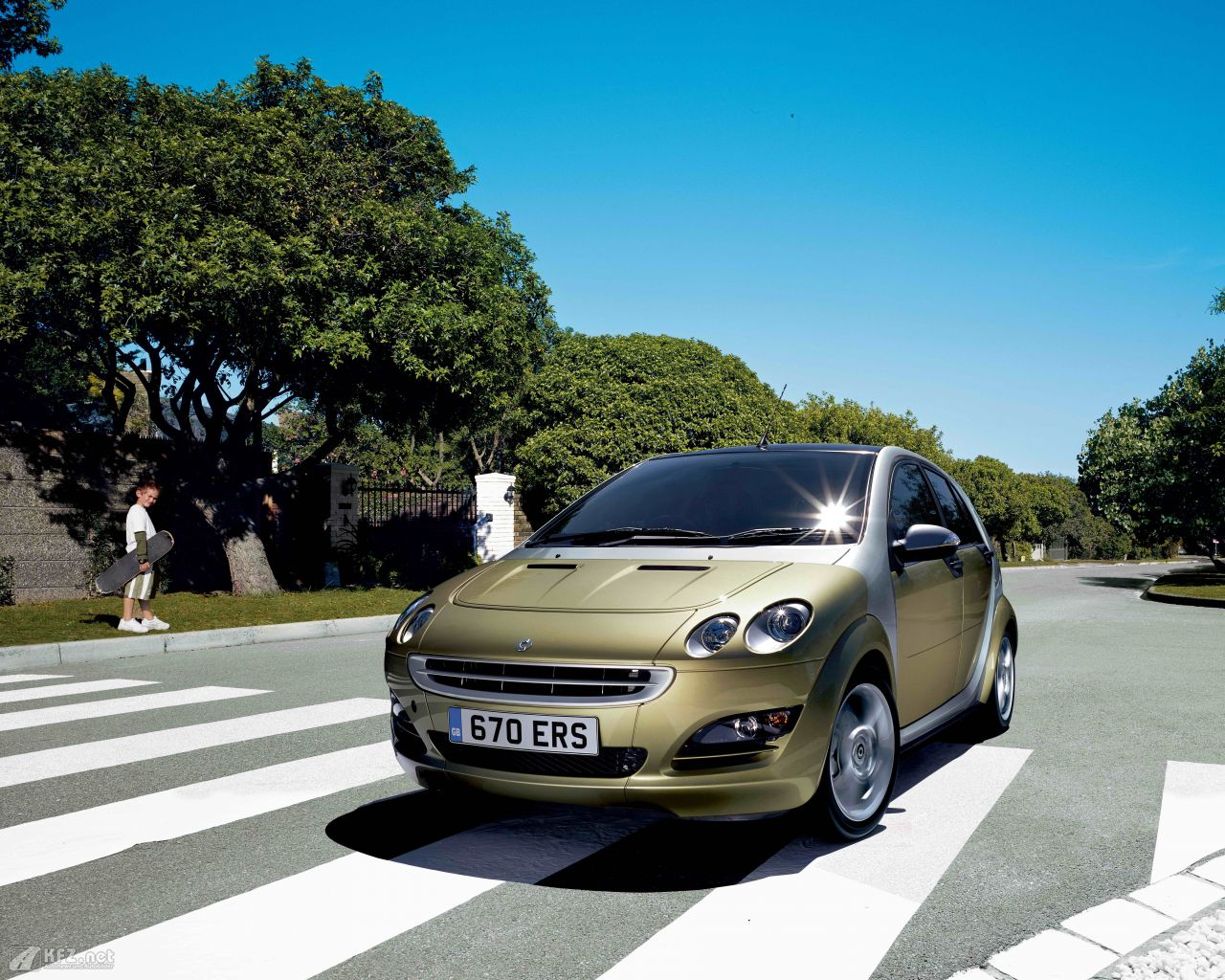 smart-forfour-1280x1024-7